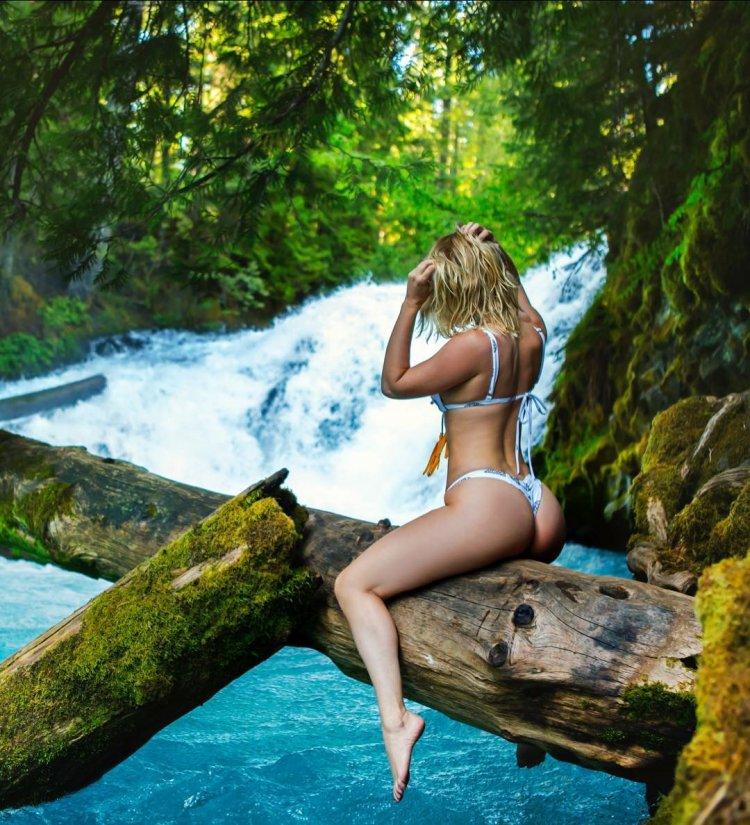 Сара Андервуд продолжает радовать красивыми снимками в Instagram