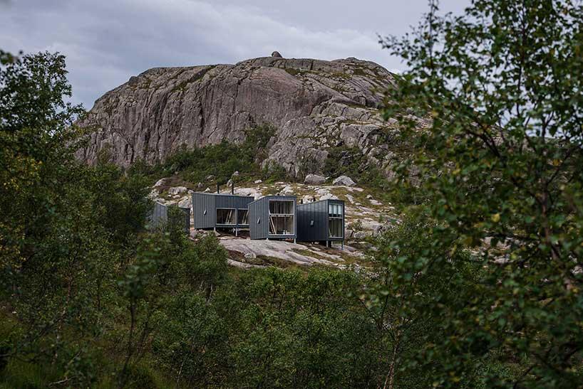 Домики для туристов в горах Норвегии