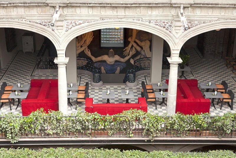 Самые впечатляющие исторические отели мира