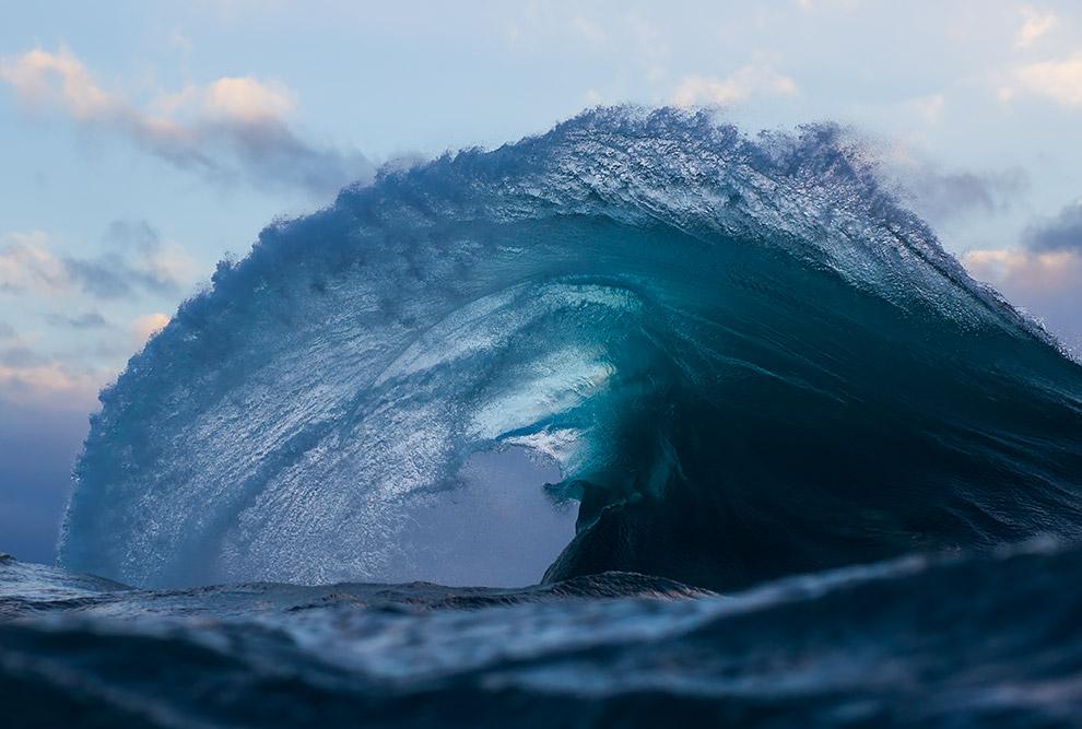 фото океанических волн хорошая, есть