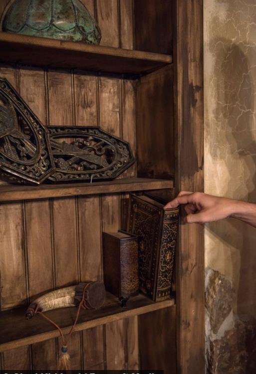 Геймер потратил 50 000 долларов на подвал в стиле Elder Scrolls