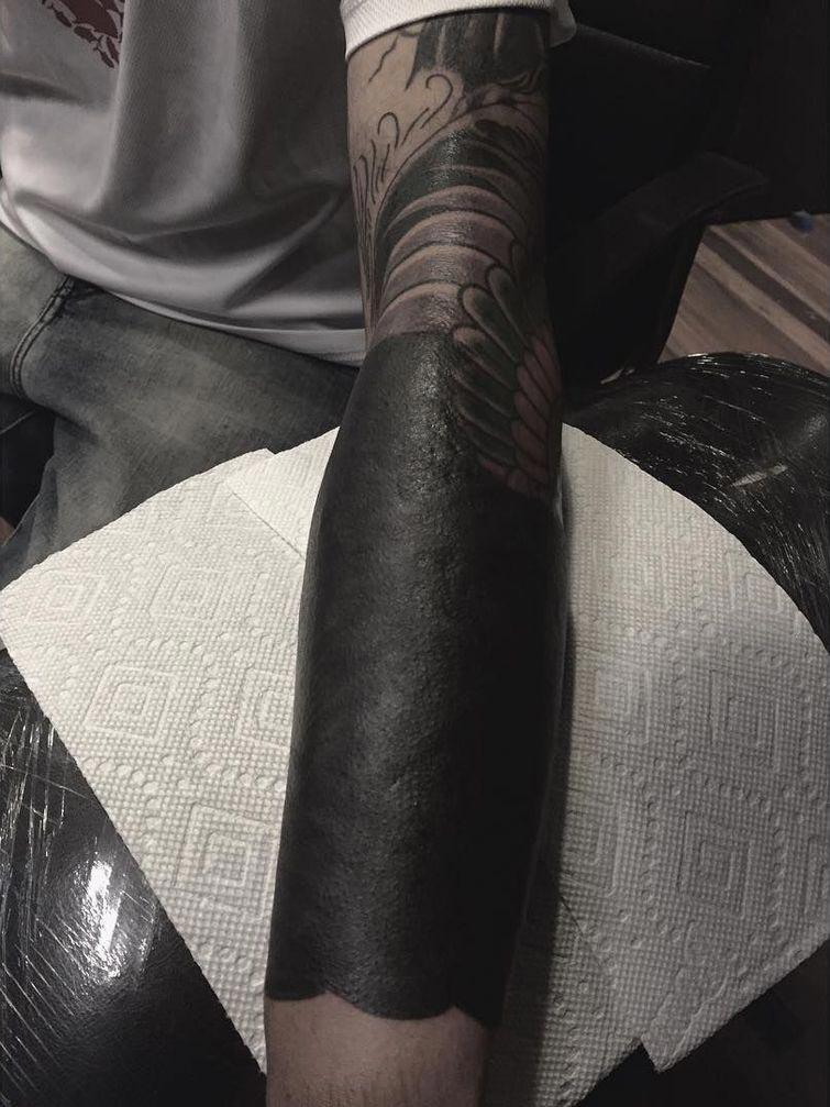 Новый тренд в татуировке - блэкворк и блэкаут