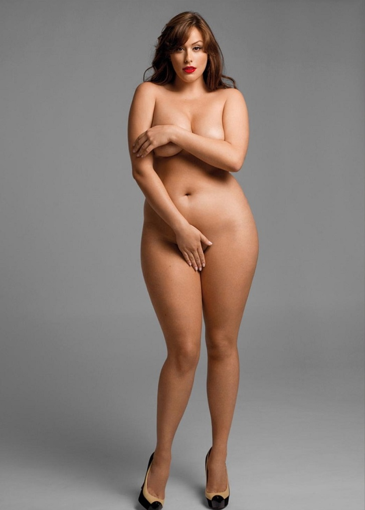 Соблазнительные не худые женщины в фотокниге Изгибы
