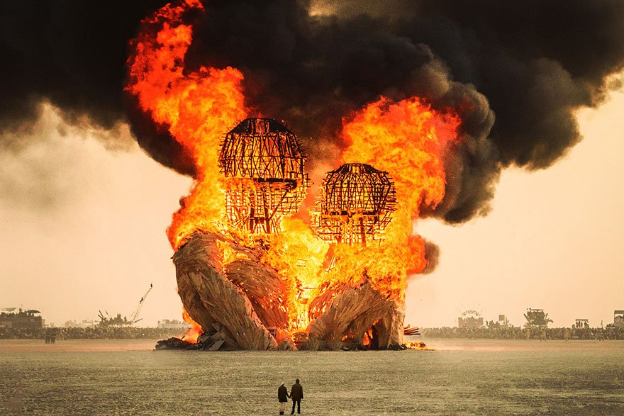 Сюрреалистические фотографии c фестиваля Burning Man от Виктора Хабчи