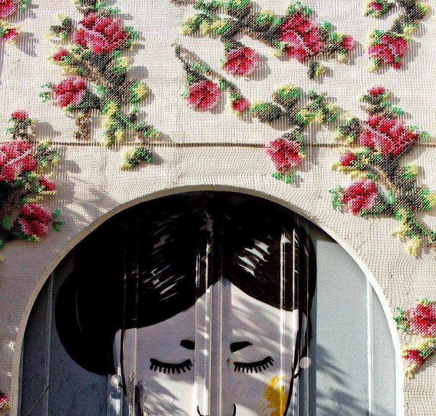 Вышитые цветочные узоры на испанских улицах