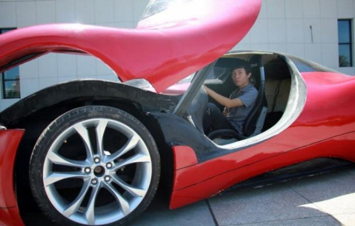 Китаец построил футуристический суперкар