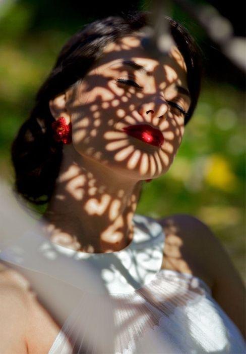 Великолепная игра теней на женских телах