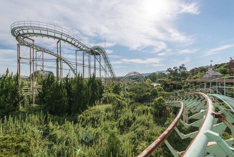 Nara Dreamland — самый известный заброшенный парк развлечений в мире