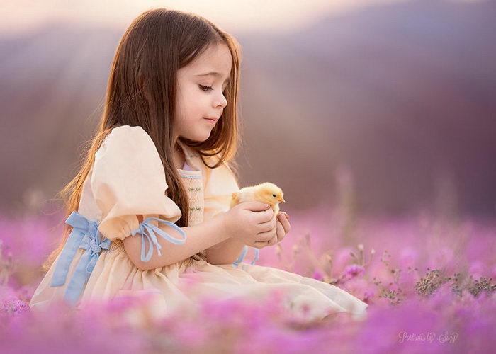Девочка и ее связь с животными от Suzy Mead