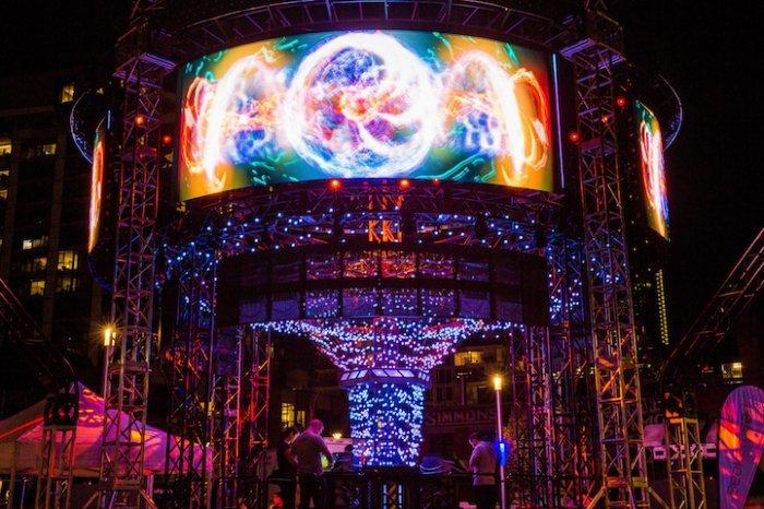 Фестиваль науки и искусства Beakerhead 2016 в Калгари