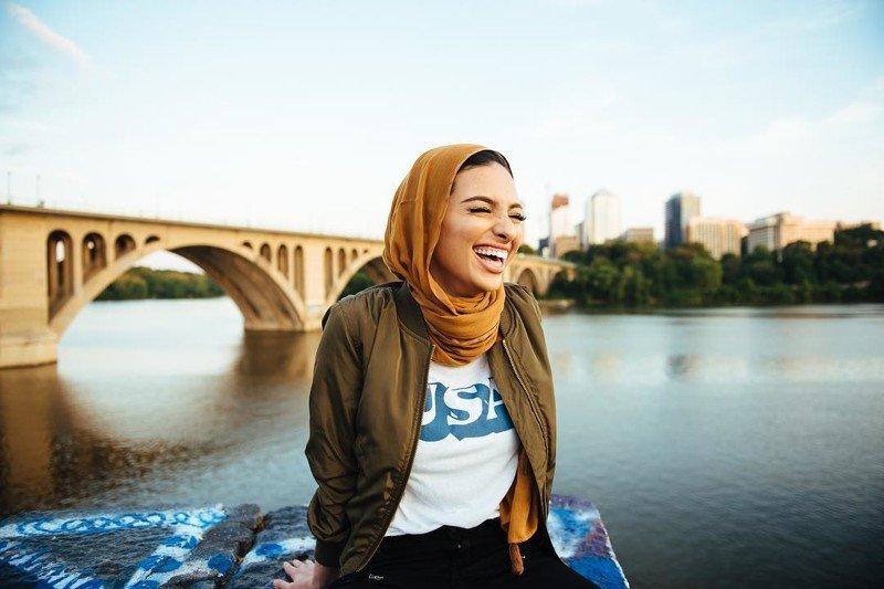 На обложке октябрьского номера Playboy впервые появится девушка в хиджабе