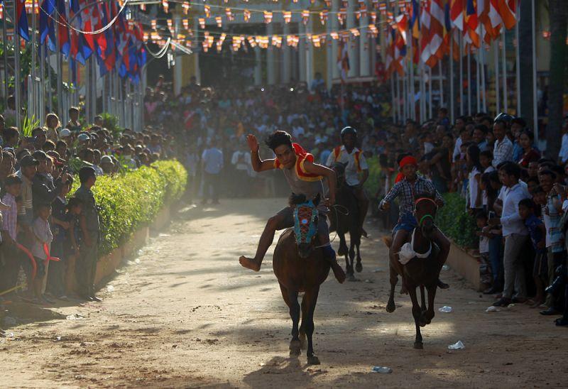 Фестиваль Пчум Бен в Камбодже