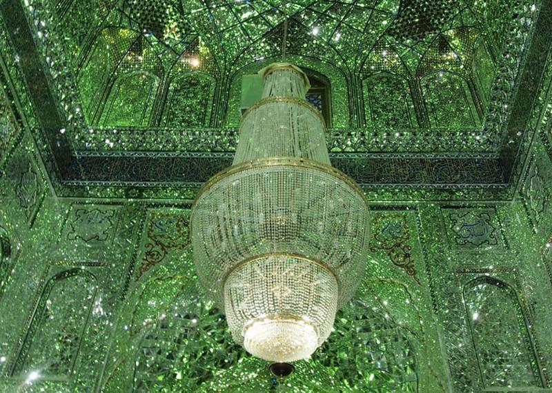 Зеркальная мечеть Шах-Черах в Иране