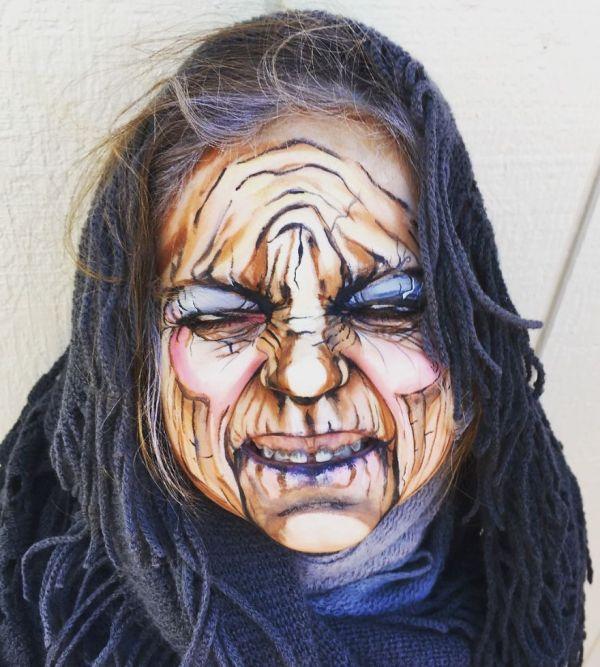 3-летняя девочка в образе старой ведьмы