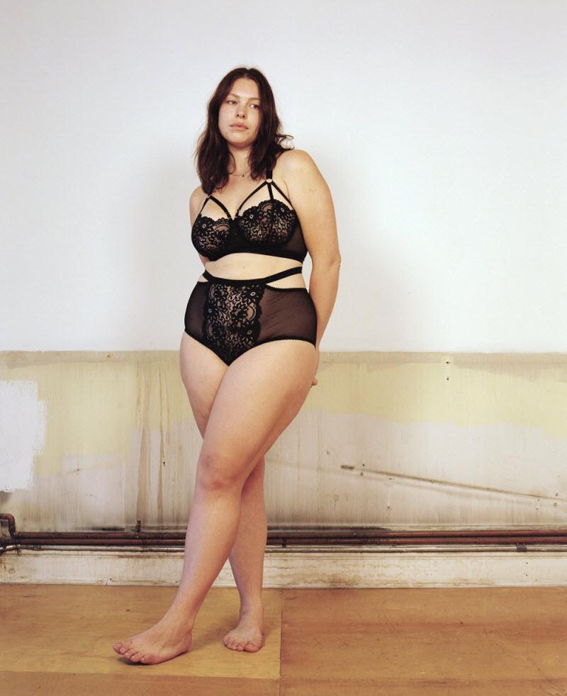 Реклама нижнего белья с обычными женщинами