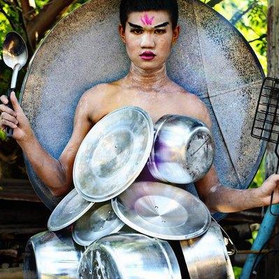 Наряды из проволоки, еды и цветов от 17-летнего дизайнера из Таиланда
