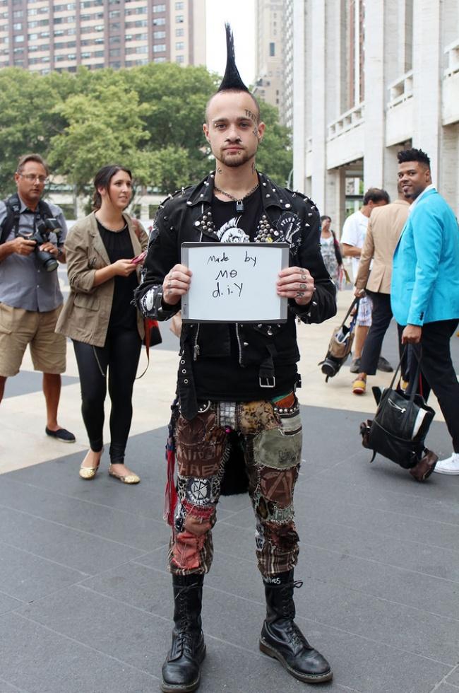 Обычные прохожие Нью-Йорка признались, сколько стоит их одежда