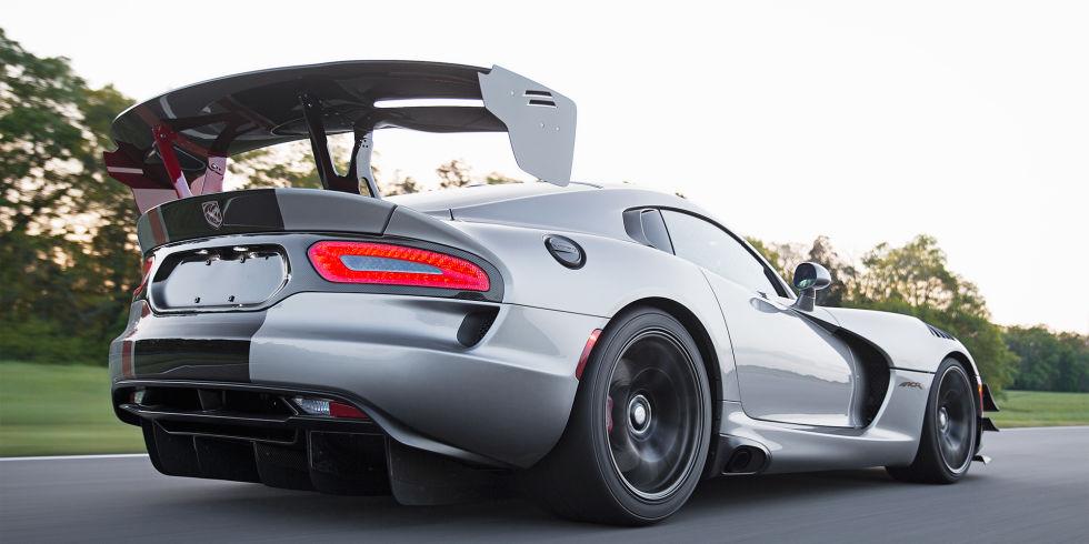 10 автомобилей с самыми крутыми спойлерами