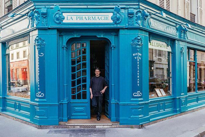 Фасады магазинов и их владельцы в Париже