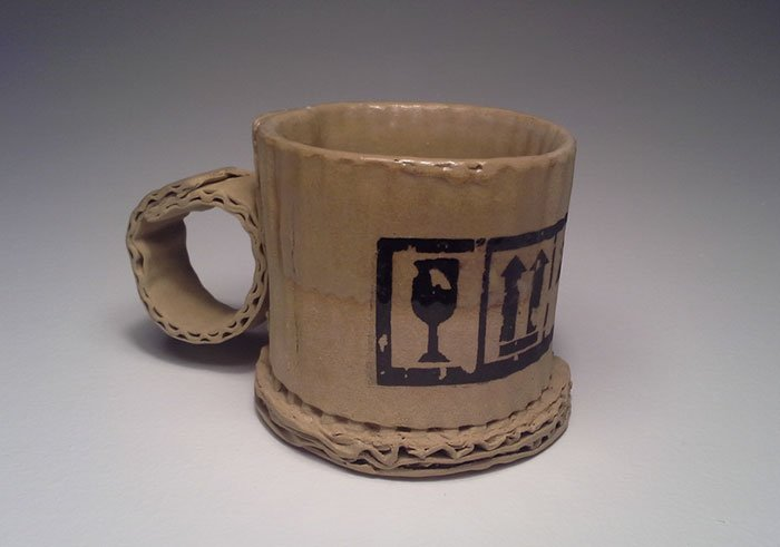 Глиняные чашки, сделанные будто из картона