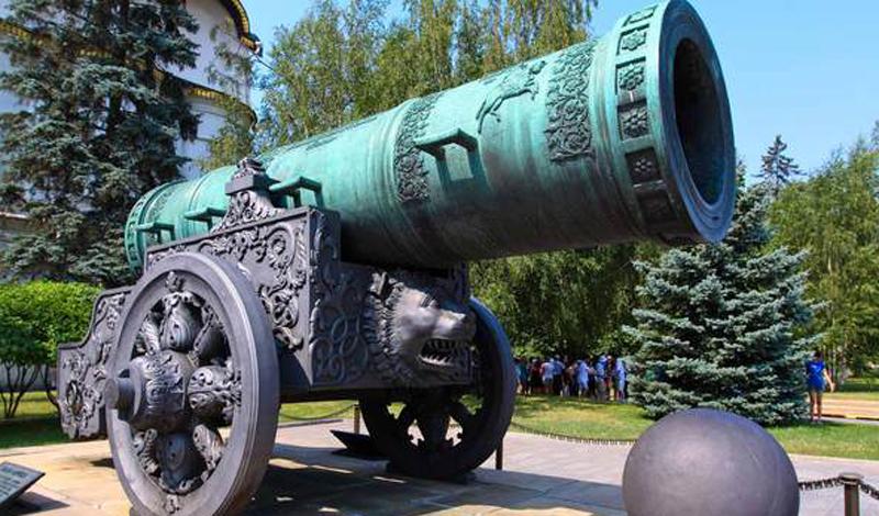 Первое огнестрельное оружие на Руси