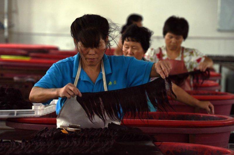 Откуда в салонах красоты берутся накладные волосы для гламурных модниц