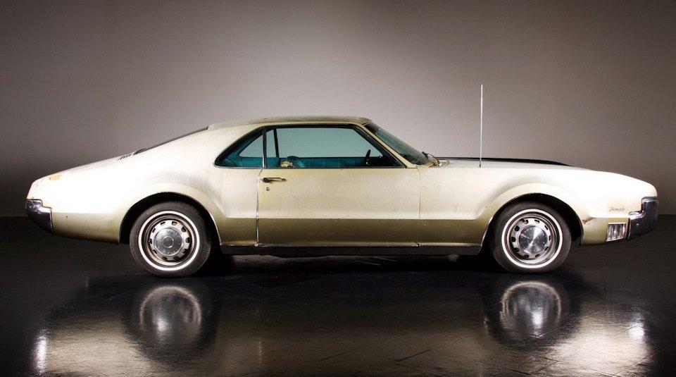 Половинчатая реставрация Oldsmobile Toronado 1967 года