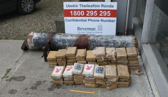 В Ирландии нашли выброшенную на берег трубу с 75 кг кокаина