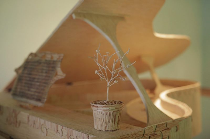 Удивительная скульптура пианиста из спичек
