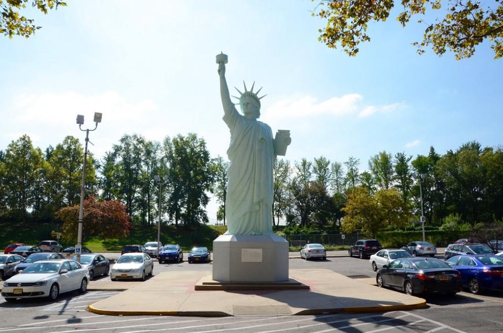 Статуя Свободы и её многочисленные копии: удачные и не совсем