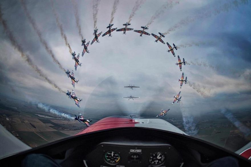 Лучшие фото с конкурса экстремальной фотографии Red Bull Illume