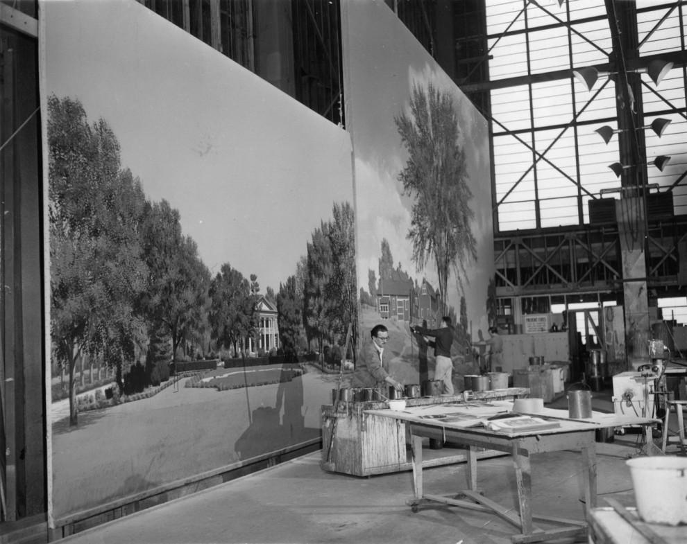 Рисованные декорации, на фоне которых снимались классические голливудские фильмы
