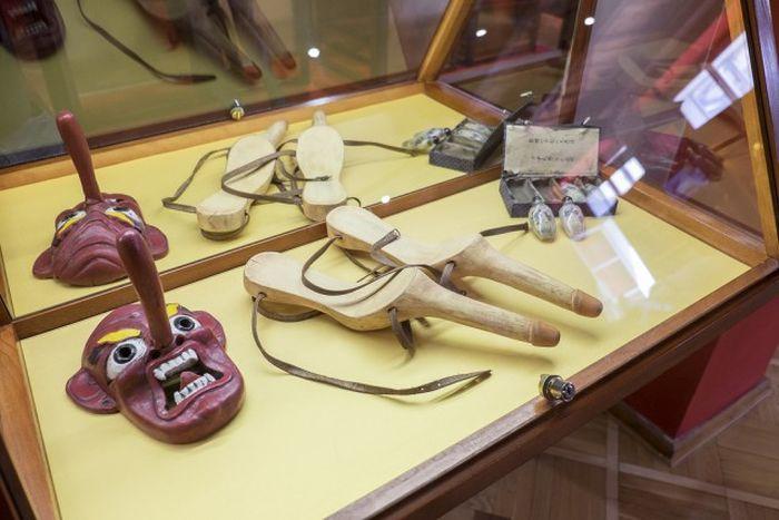 Экскурсия по пражскому музею секс-машин