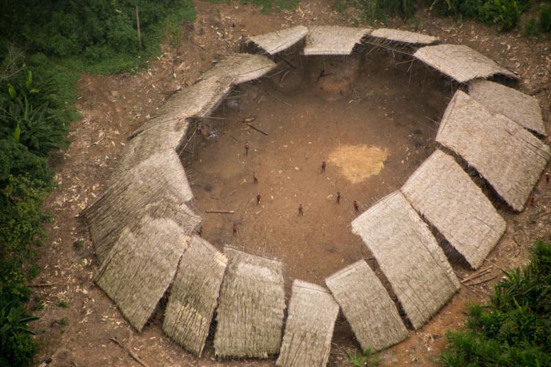 Племя на севере Бразилии никогда не контактировало с остальным миром