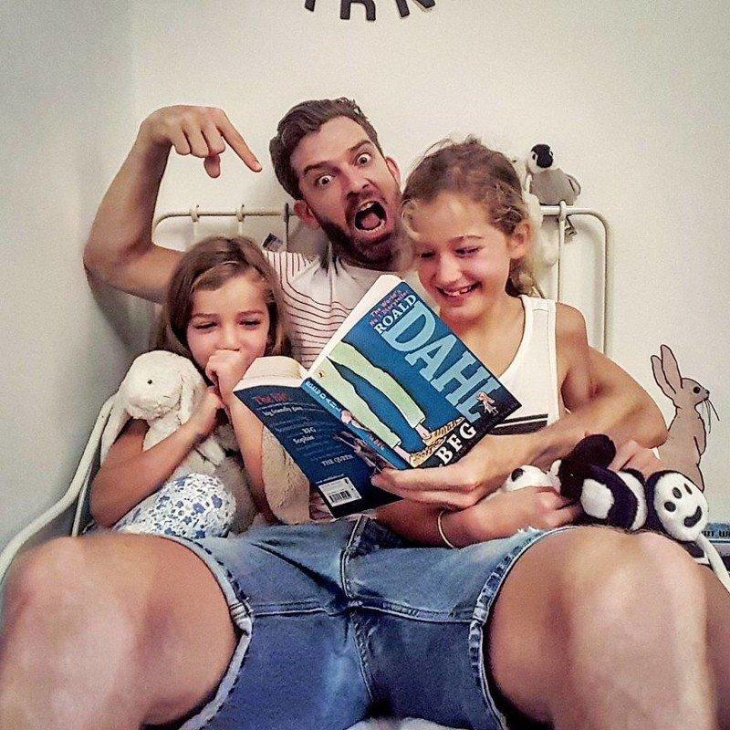 Правдивые фото от отца четырех дочек покорили социальные сети