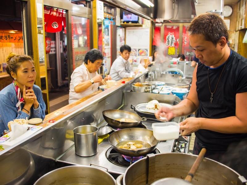 Как обедают офисные работники в 7 разных странах мира