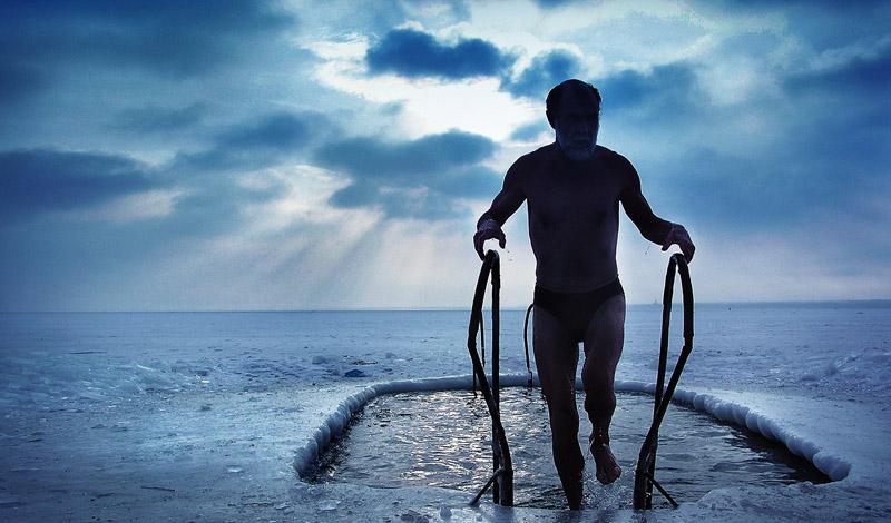 Моржи: откуда появилась традиция зимних купаний