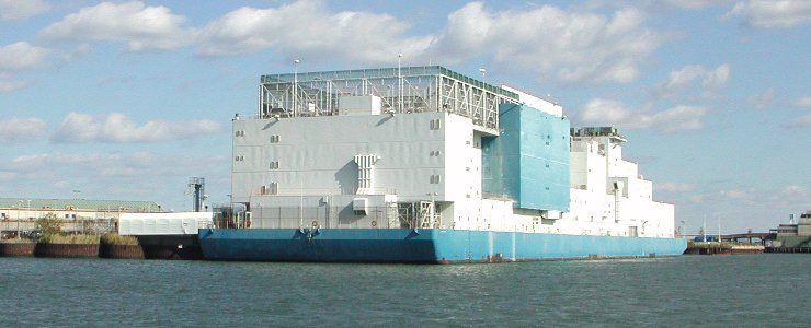 Плавучая тюрьма Vernon C. Bain в Нью-Йорке