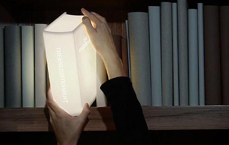 16 необычных подарков для тех, кто любит книги