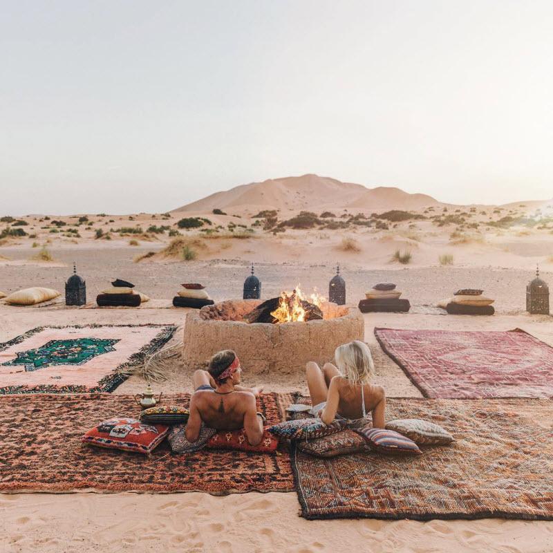Чистильщик ковров бросил работу и зарабатывает путешествуя по миру