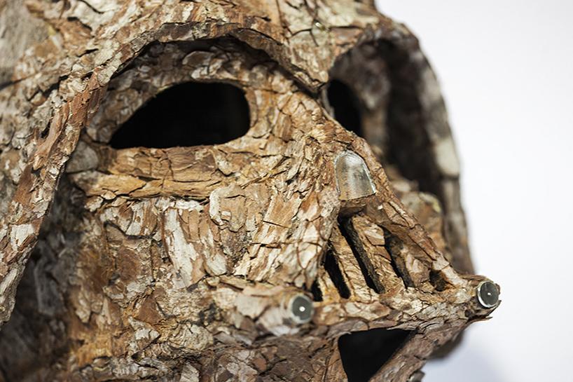 Шлем Дарта Вейдера из древесной коры
