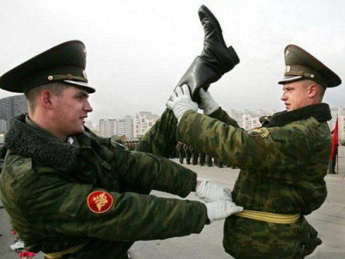 Картинки, картинка прикол в наряде армия
