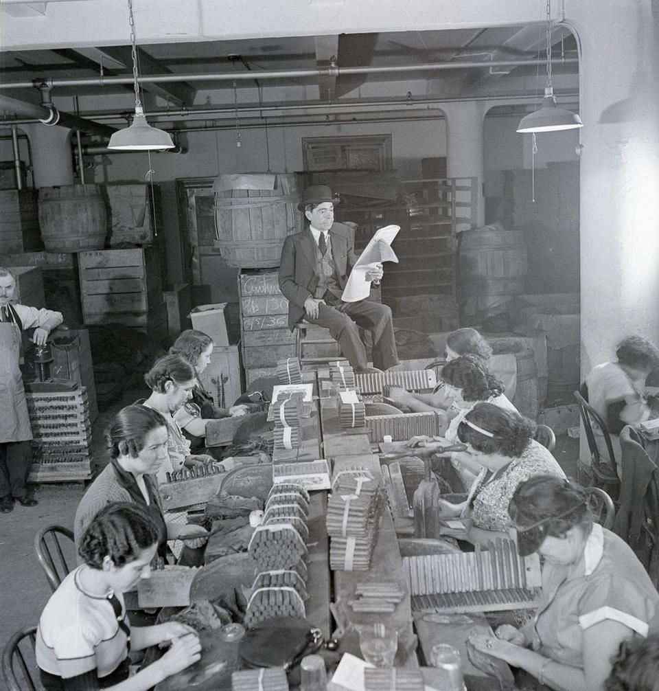 Источник развлечения и просвещения работников табачных фабрик (1900-1960)