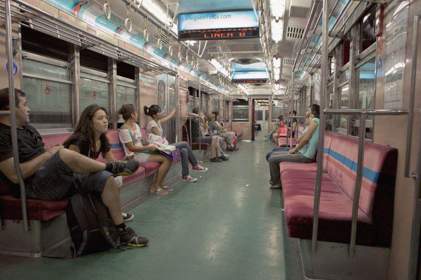 Вагоны метро в разных странах мира