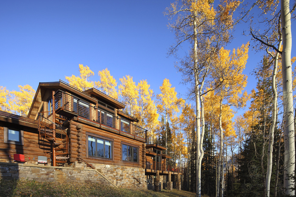 Особняк в деревенском стиле в горах Колорадо