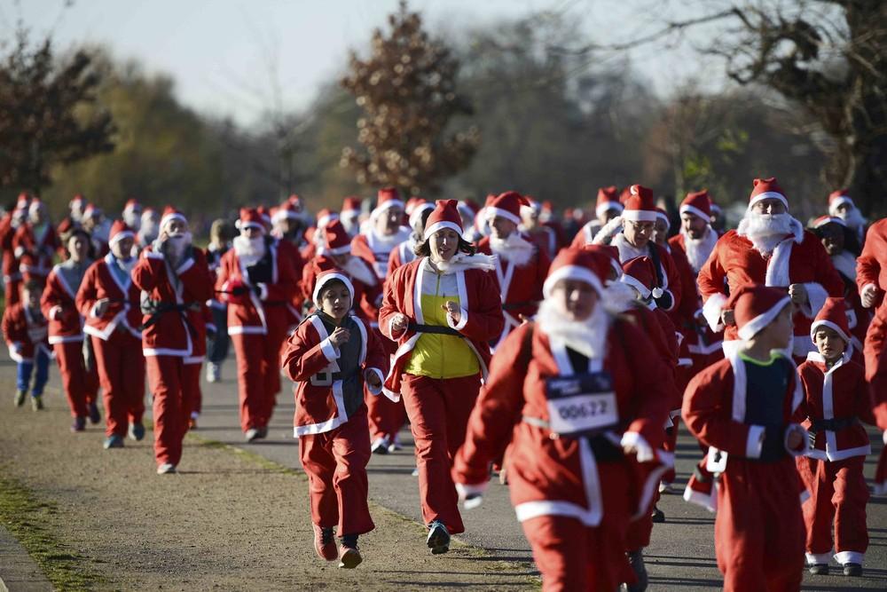 Праздничные сборища Санта-Клаусов
