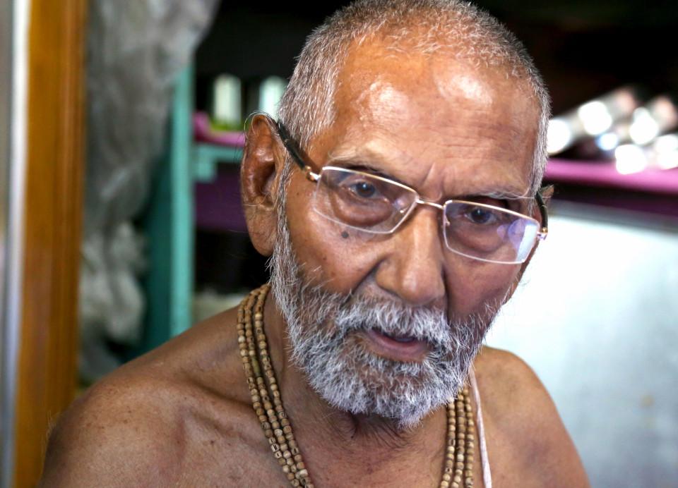 Индийский монах утверждает, что он 120-летний девственник
