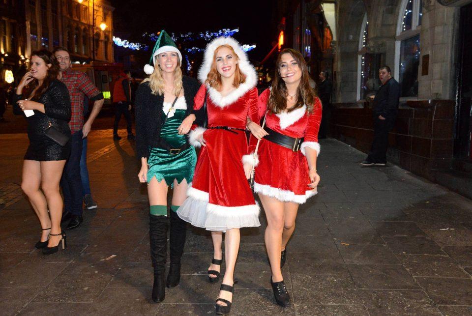 Как прошли Рождественские вечеринки в Великобритании