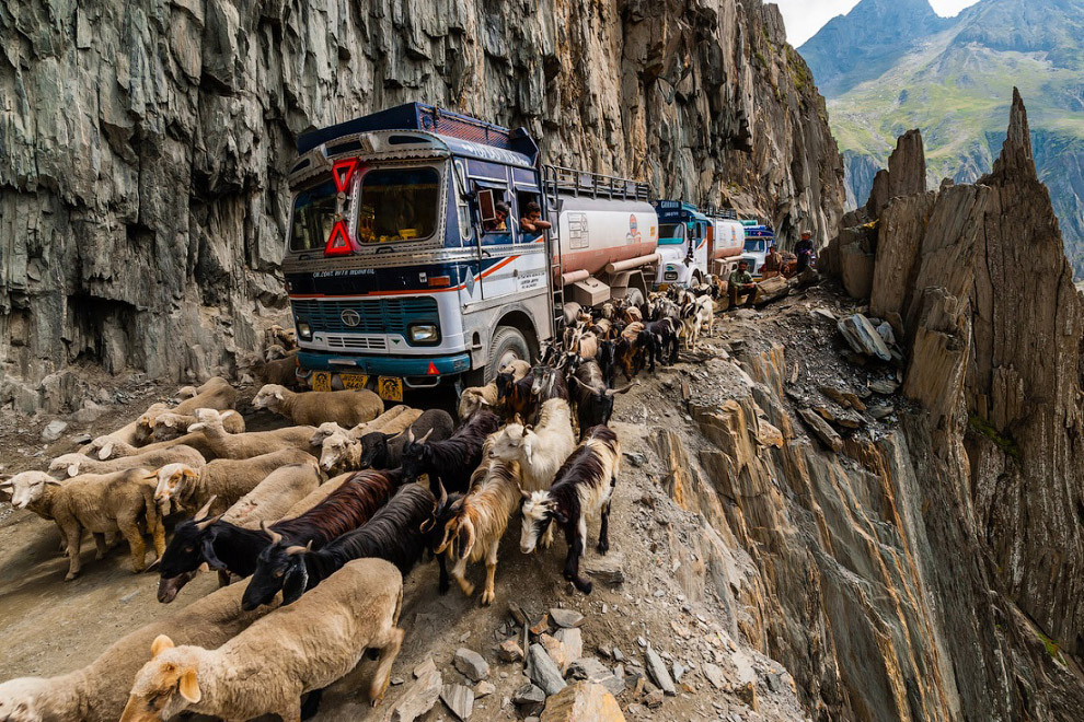 10 самых опасных дорог в мире