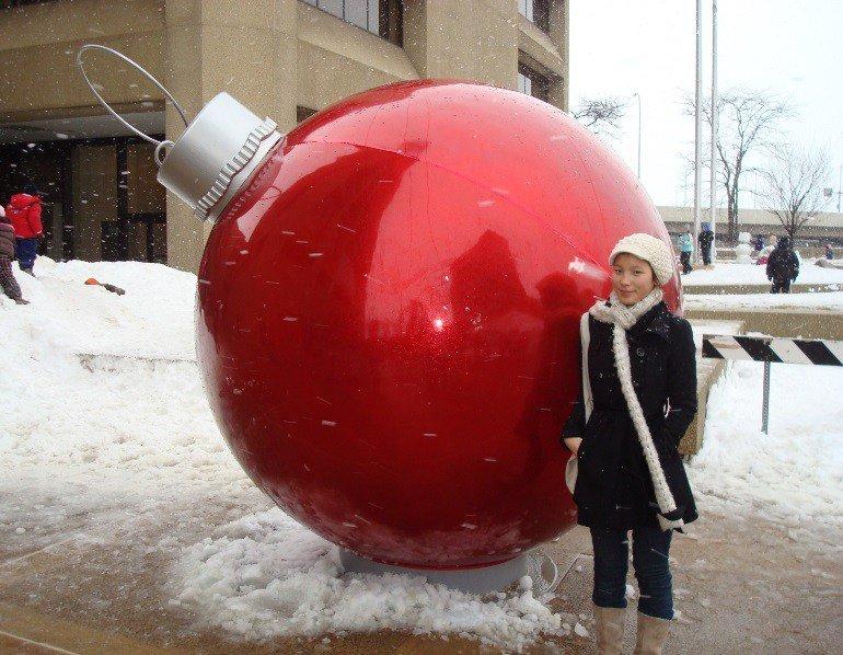 Самые большие в мире ёлочные игрушки